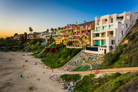 37654753 - houses on cliffs above corona del mar state beach, seen from inspiration point, in corona del mar, california.